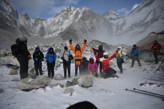 hiking-nepal-everest-base-camp-EBC-got-to-get-out-group-1