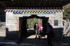 hiking-nepal-everest-base-camp-EBC-got-to-get-out-group-2