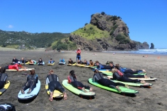 surfing-piha-auckland-new-zealand-got-to-get-out-2