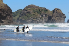 surfing-piha-auckland-new-zealand-got-to-get-out-3
